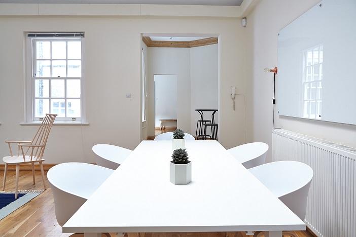 Caso real: limpieza energética de una oficina o espacio de trabajo